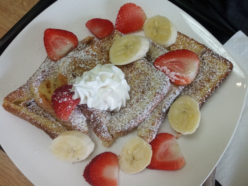 french toast breakfast with fruit in weehawken nj